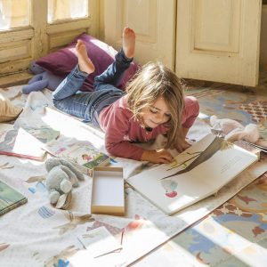 Paula Alenda - Ilustración - Con Trompa y Cartón